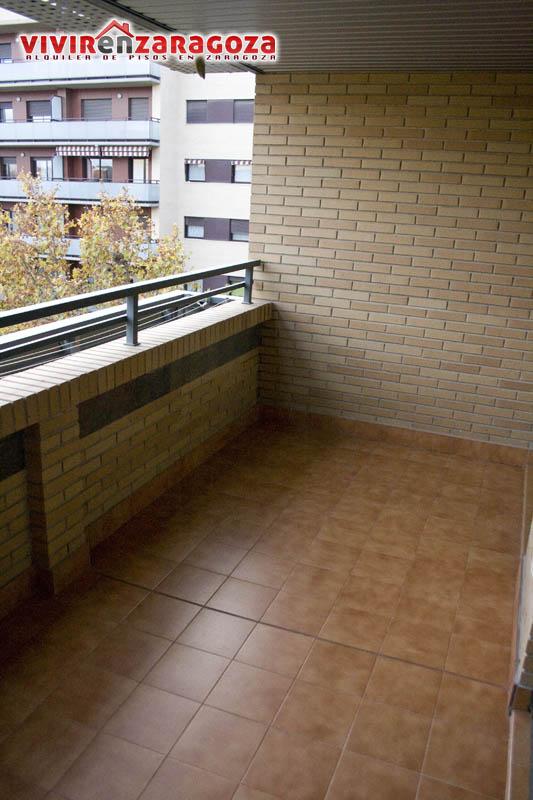 Piso obra nueva en barrio miralbueno for Piscina miralbueno